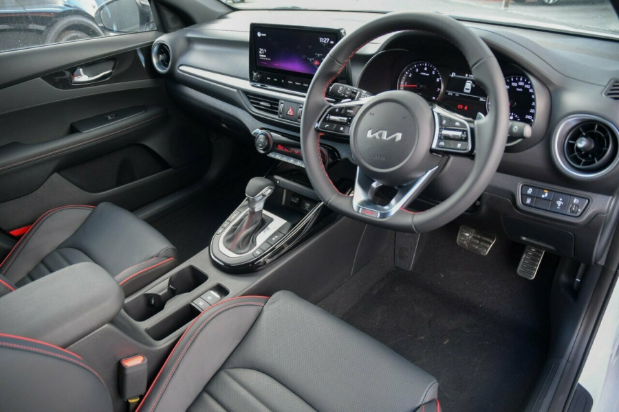 2021 MY22 Kia Cerato BD MY22 GT DCT Hatchback Image 6
