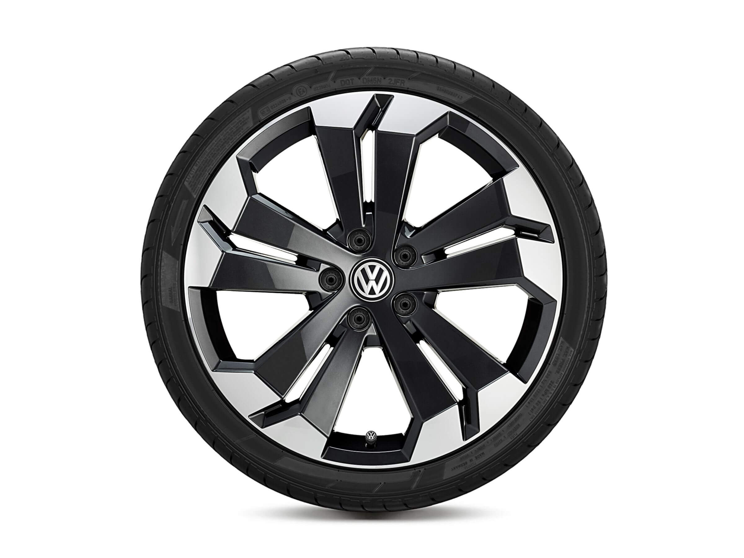 <strong>20-inch Nazare</strong> alloy wheels Image