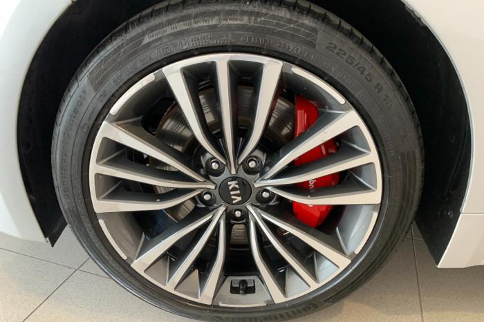 2018 MY19 Kia Stinger CK 330S Sedan Image 4