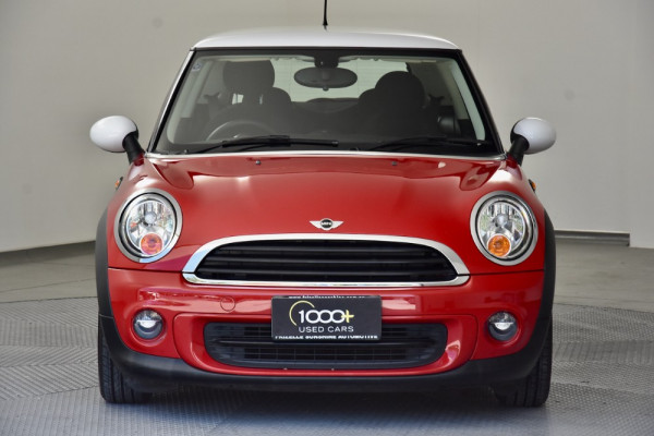 2012 Mini Hatch R56 LCI Cooper Hatchback Image 2