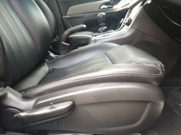 2016 Holden Cruze Vehicle Description. JH  II MY16 Z-Series SED 4dr M 5sp 1.8i Sedan Image 5