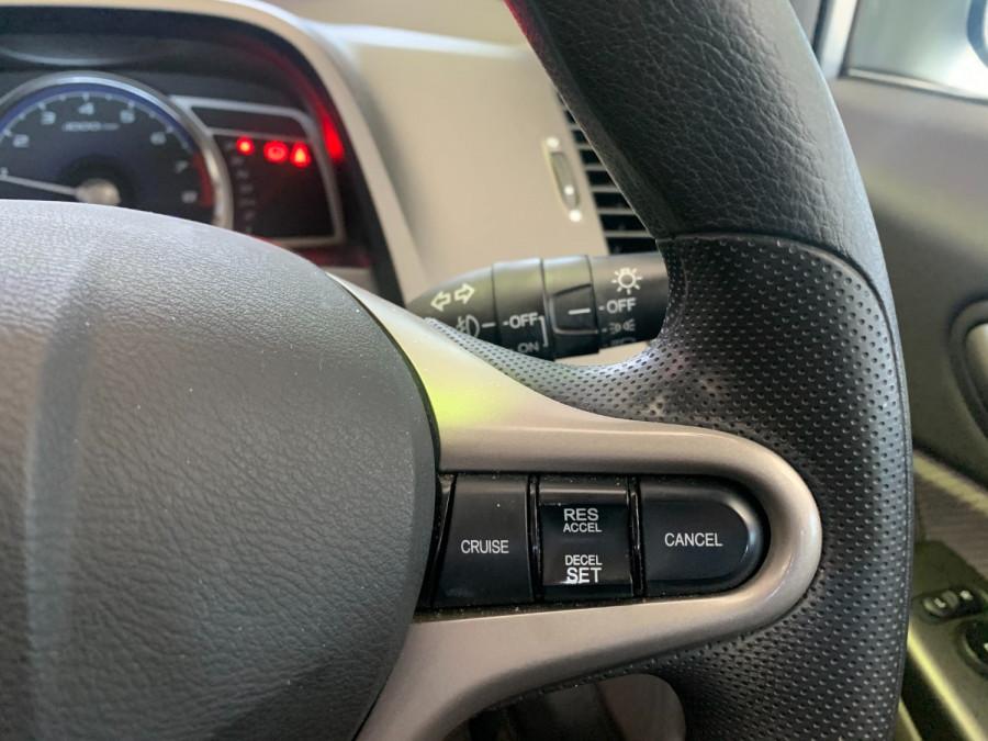 2010 Honda Civic 8th Gen  VTi Sedan Image 20