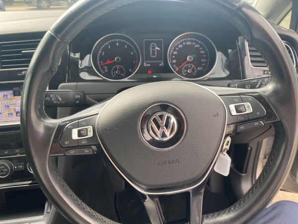2013 MY14 Volkswagen Golf VII 103TSI Highline Hatch