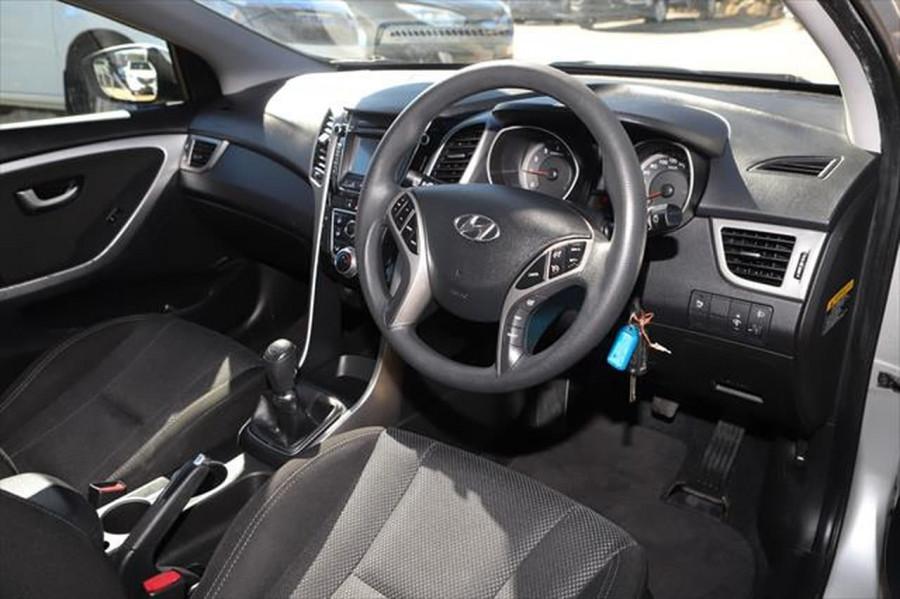 2013 Hyundai I30 GD SE Hatchback Image 12
