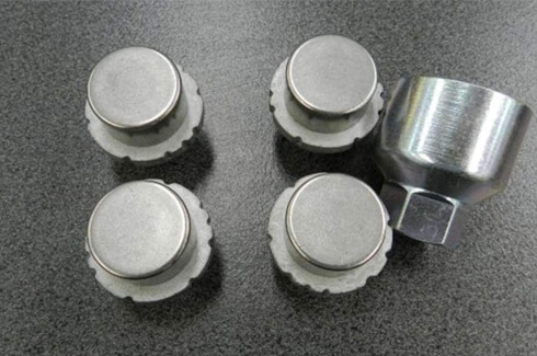Alloy wheel lock nut set