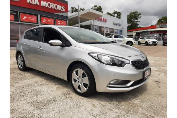 2014 Kia Cerato YD Si Hatchback Image 3