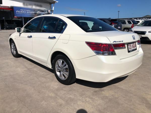 2012 Honda Accord 8th Gen  VTi Sedan Image 5