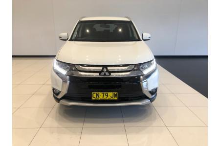 2017 Mitsubishi Outlander ZK LS Suv Image 3
