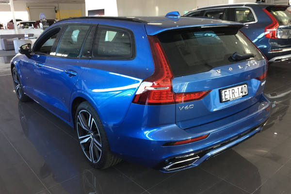 2019 MY20 Volvo V60 F-Series T8 R-Design Wagon Image 3
