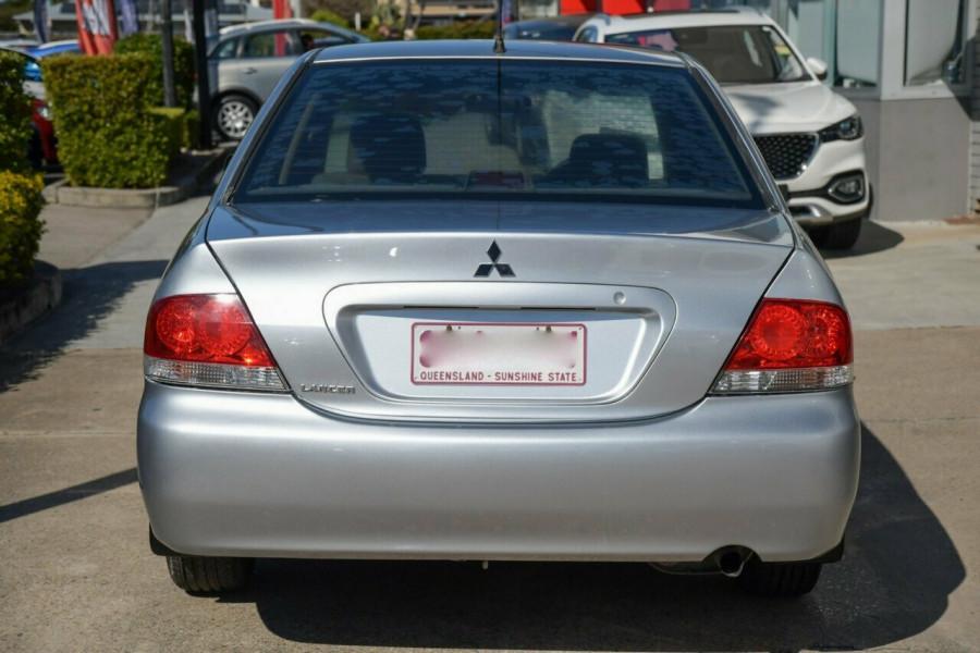 2004 Mitsubishi Lancer CH ES Sedan