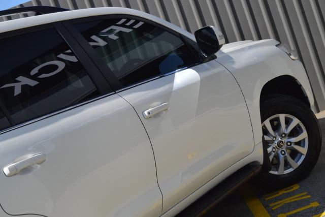 2016 Toyota Landcruiser VX 25 of 25