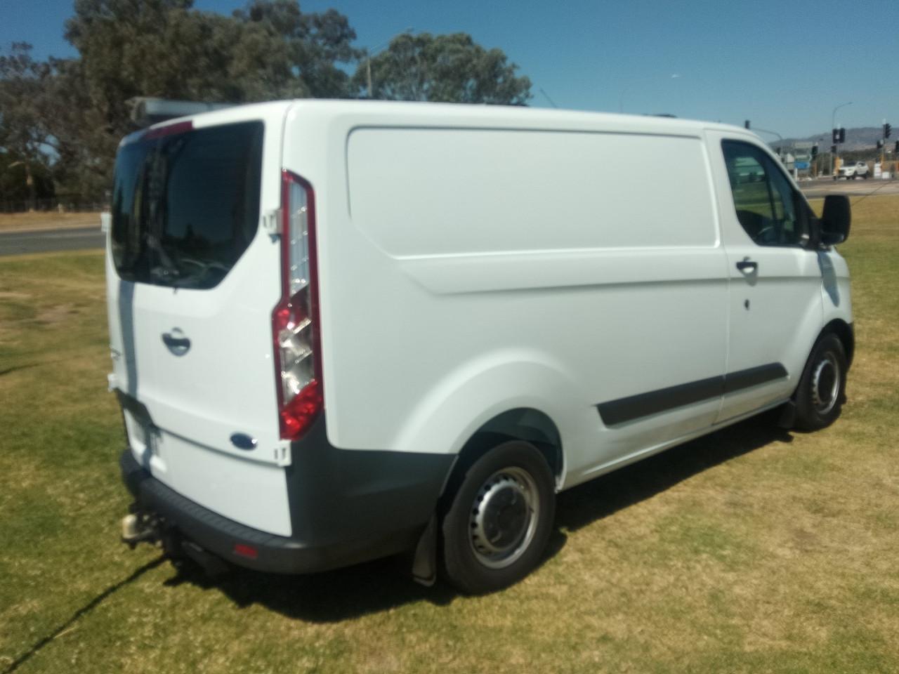 2016 Ford Transit Custom VN 290S Van Image 7