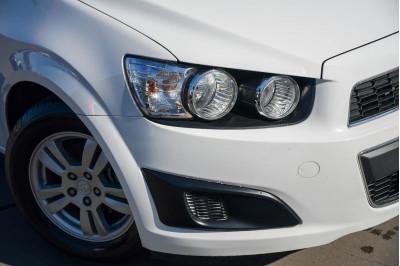 2014 Holden Barina TM MY14 CD Sedan Image 4