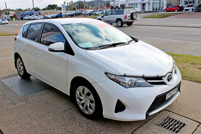 2014 Toyota Corolla ZRE182R Ascent Hatchback Image 4