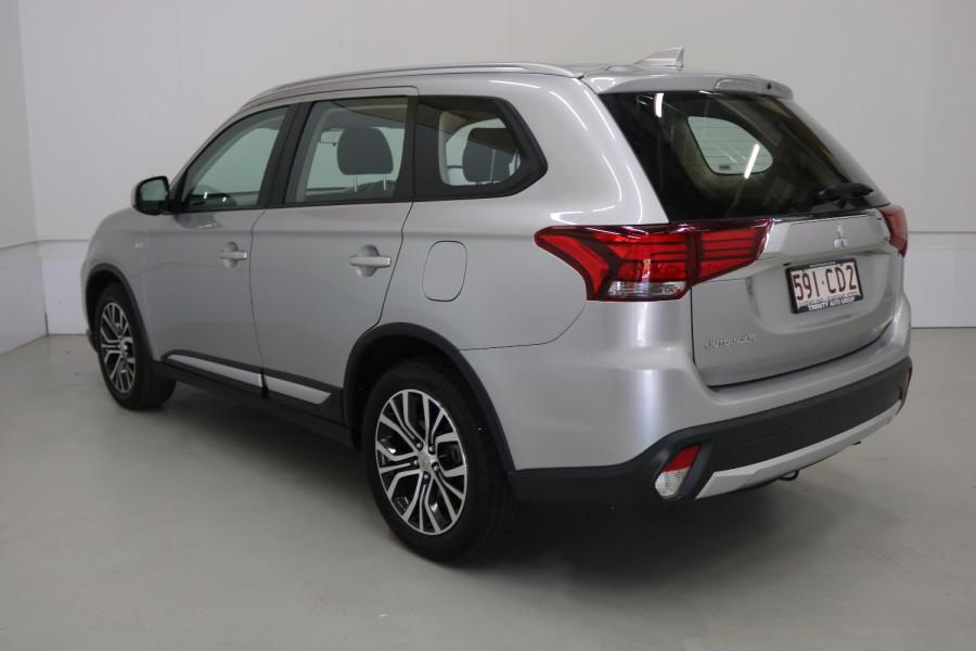 2018 MY18.5 Mitsubishi Outlander ZL MY18.5 ES Suv Image 19