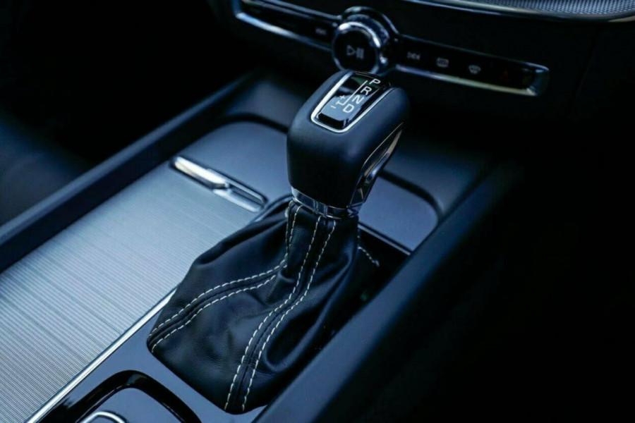 2020 Volvo XC60 UZ T6 R-Design Suv Image 28