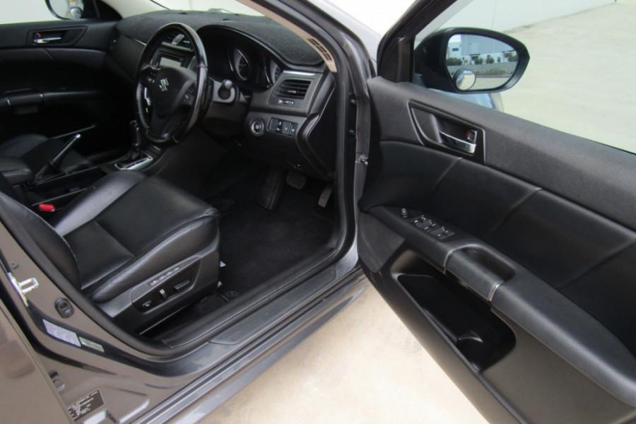 2015 MY14 Suzuki Kizashi FR Sport Touring Sedan Image 11