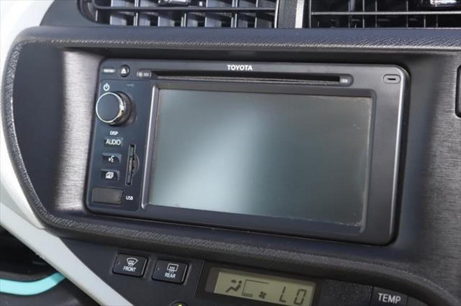 2013 Toyota Prius ZVW30R MY12 Liftback Image 14