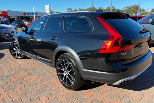 2019 MY20 Volvo V90 Cross Country P Series D5 Suv Image 4