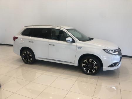 2017 Mitsubishi Outlander ZK PHEV LS Awd wagon Image 2