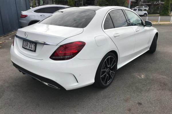 2019 Mercedes-Benz C-class Sedan Image 3