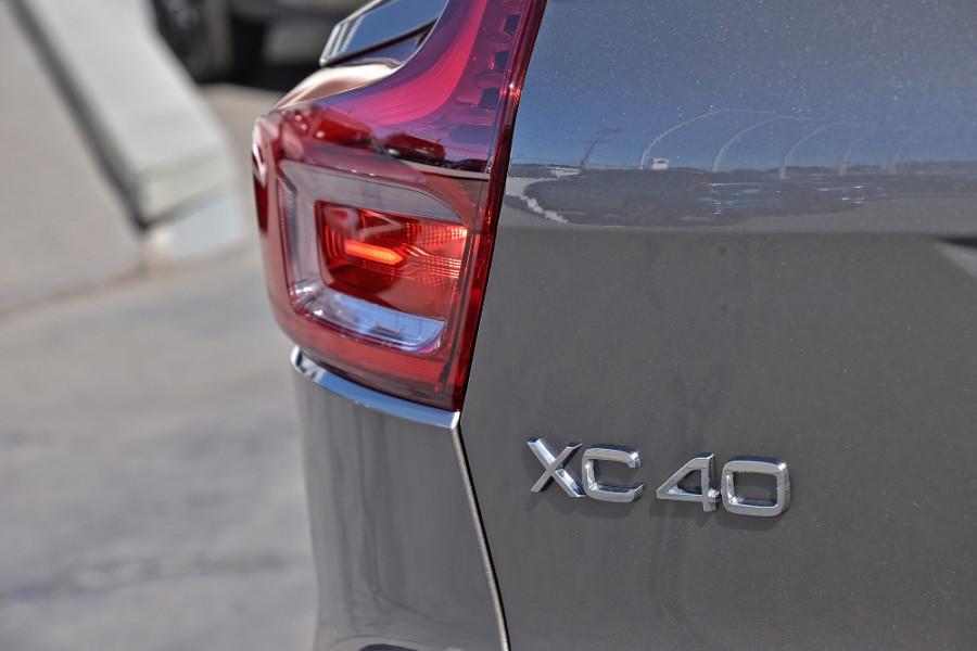 2019 Volvo XC40 XZ T4 Inscription Suv Mobile Image 26