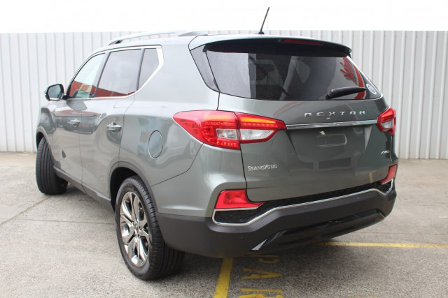 2019 SsangYong Rexton Ultimate 10 of 20