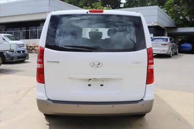 2016 Hyundai Imax TQ3-W Series II MY16 Wagon Image 3