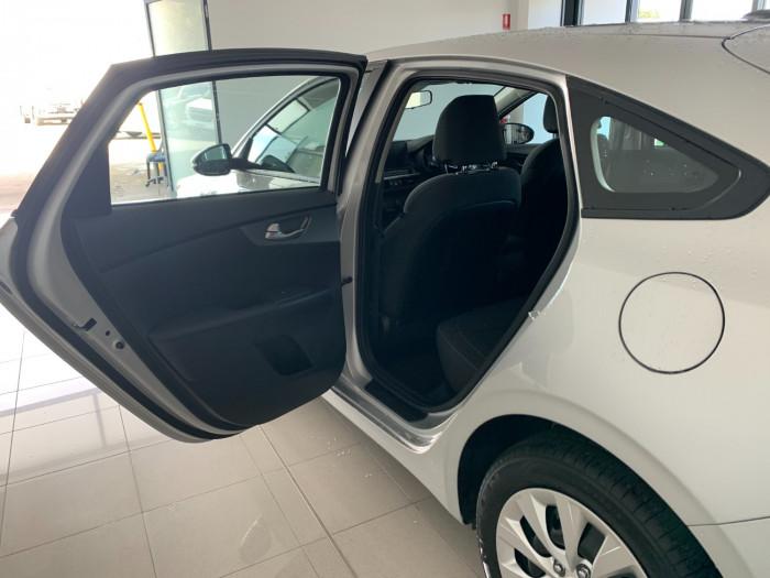 2019 Kia Cerato BD MY19 S Hatchback Image 6