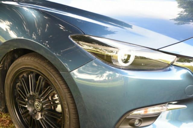 2017 Mazda 3 BN5238 SP25 Sedan Image 2