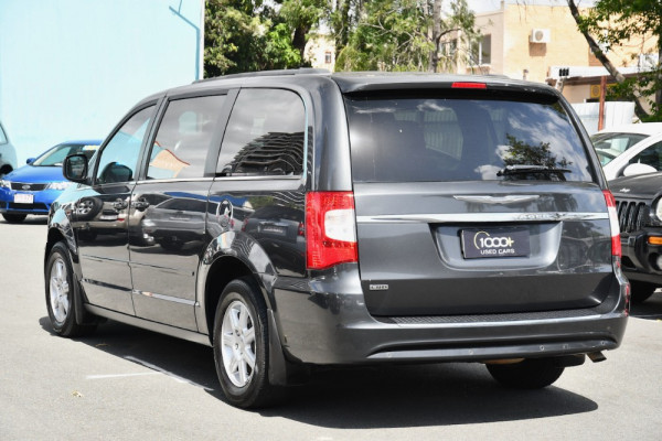 2011 MY10 Chrysler Grand Voyager RT 5th Gen MY10 LX Wagon Image 3