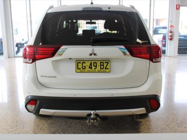 2016 Mitsubishi Outlander ZK  LS Suv