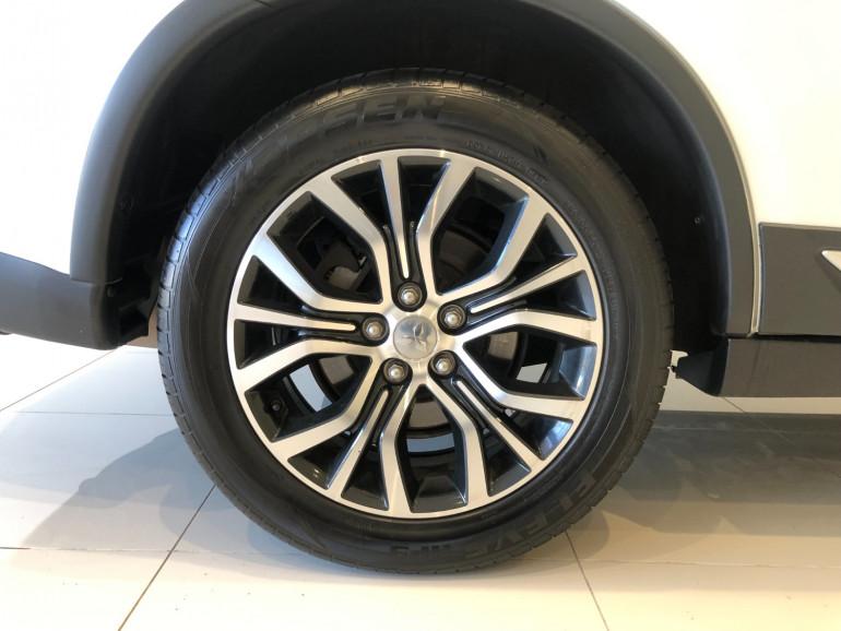 2017 Mitsubishi Outlander ZK LS 2wd 7 seat wagn Image 12