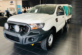 2018 Ford Ranger Cab chassis Image 3