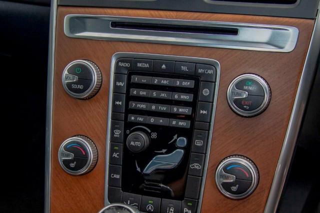 2016 Volvo XC60 D5 Luxury 11 of 22