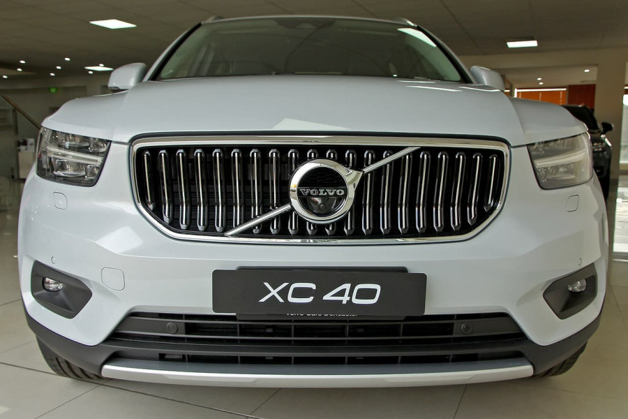 2019 MY20 Volvo Xc40 (No Series) MY20 T4 Inscription Suv Mobile Image 3