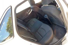 2017 MY18 Hyundai i30 PD Active Hatchback image 14