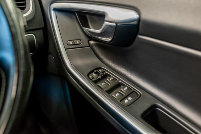 2016 MY17 Volvo S60 F Series T6 R-Design Sedan Image 35