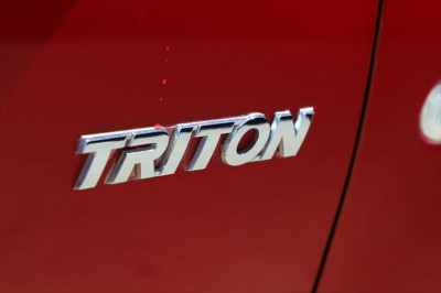 2013 Mitsubishi Triton MN MY14 GL Cab chassis Image 5