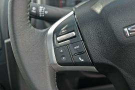 2019 Isuzu UTE D-MAX SX Crew Cab Ute 4x4 Utility Mobile Image 10