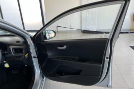 2019 Kia Rio YB MY19 S Hatchback Image 5