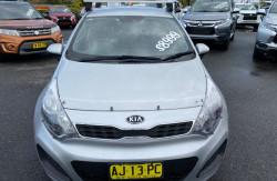 2011 Kia Rio JB S Hatchback Image 2