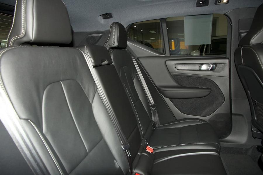 2019 Volvo Xc40 (No Series) MY19 T5 R-Design Suv Mobile Image 9