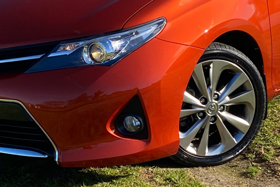 2013 Toyota Corolla ZRE182R LEVIN Hatchback Image 6