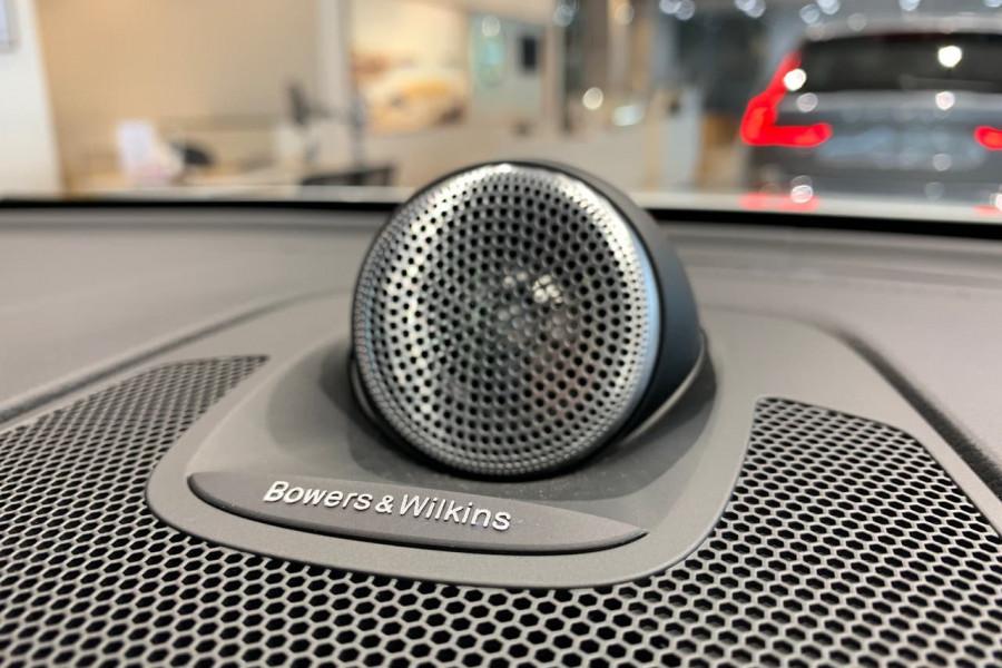 2021 Volvo XC60 UZ Recharge Suv Image 12