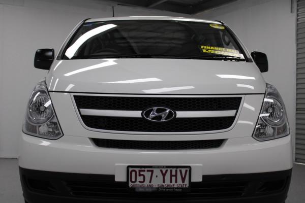 2016 Hyundai Iload TQ3-V Series II  Van Image 4