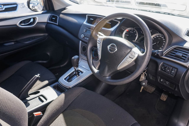 2015 Nissan Pulsar C12 Series 2 ST Hatchback Image 4