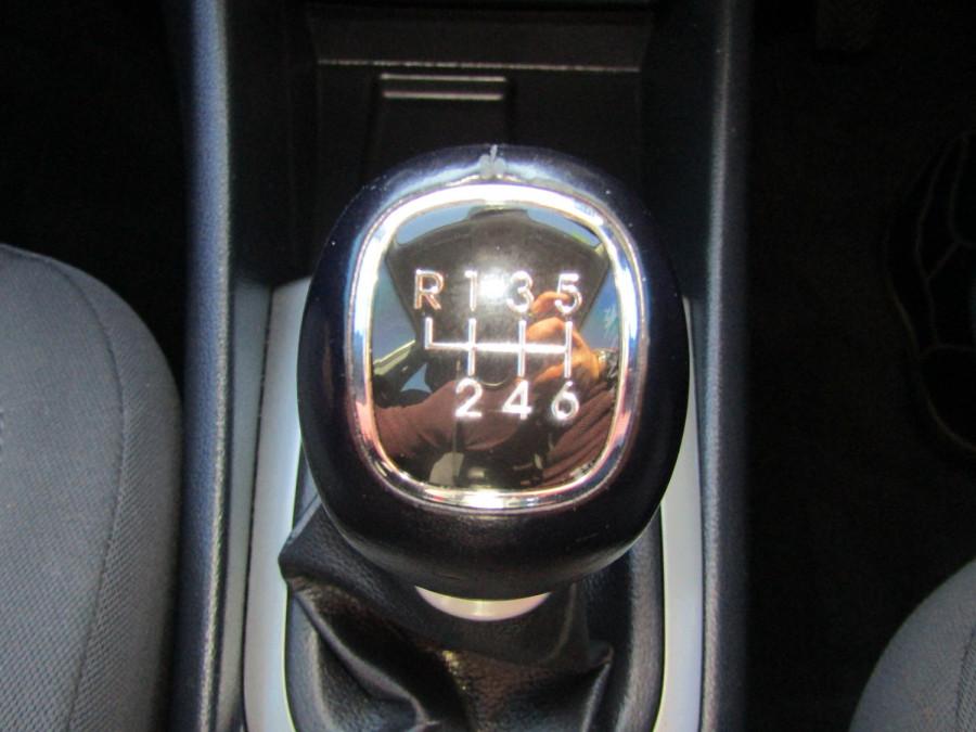 2013 Kia Rio UB  SLi Hatchback Image 23