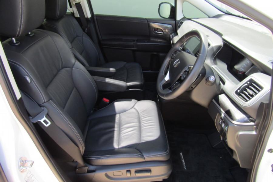 2015 MY16 Honda Odyssey 5th Gen VTi-L Wagon Image 9