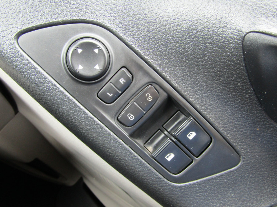 2015 LDV G10 SV7A G10 7 Seat Wagon Image 23